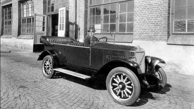 Volvo Cars festeggia 90 anni di storia