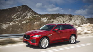 "Jaguar F-Pace è la ""Best and most beautiful car in the world"""