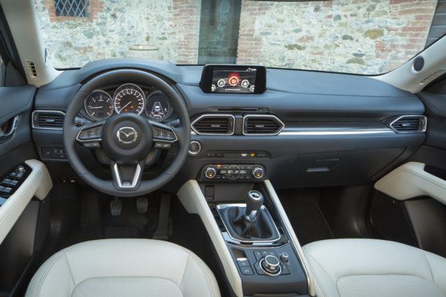 All-new CX-5_Italy 2017_Interior_12