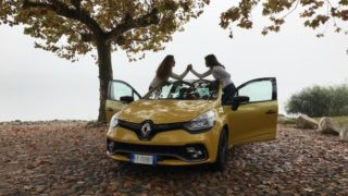 Renault Clio R.S. Sport, una sportiva per Halloween
