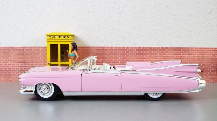 I #Ferragnez si sposano in BMW e i Millennials si fanno influenzare da Facebook e Instagram per scegliere l'auto