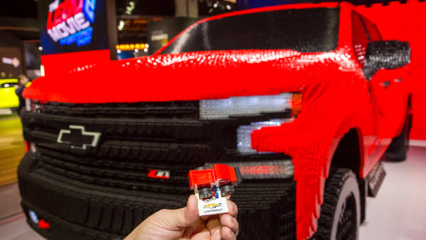 Chevrolet e LEGO, un pick-up tutto di mattoncini