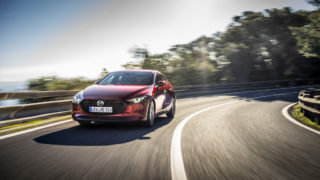 Mazda3_HB_SoulRedCrystal_Action (13)