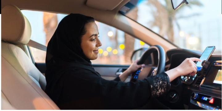 Uber, in Arabia Saudita le donne al volante possono bloccare le richieste degli uomini: operazione di marketing in attesa della quotazione a Wall Street?