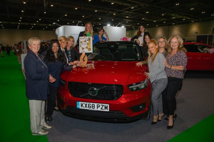 WWCOTY, Volvo Xc40 premiata a londra dalle giornaliste automotive di tutto il mondo