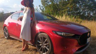 Mazda3: l'auto dalle linee in movimento