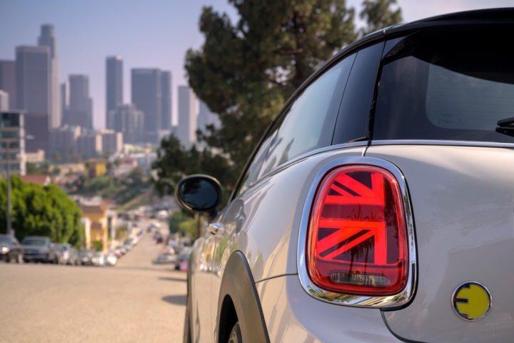 Nuova Mini Full Electric, mobilità sostenibile e sportività si fondono