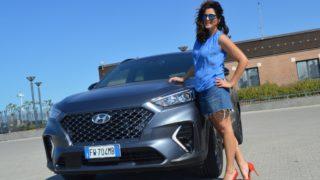 Hyundai Tucson, suv ibrido in abito racing