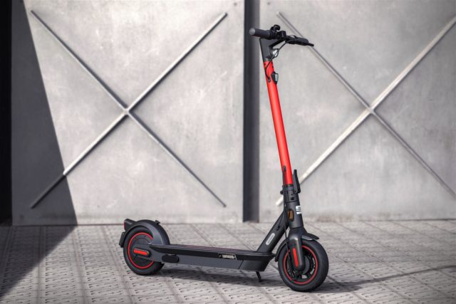 media-SEAT-creates-a-business-unit-to-promote-urban-mobility-and-presents-its-e-Scooter-concept-_11_HQ