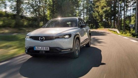 Per i 100 anni di Mazda nasce un bosco: vicino all'autostrada più antica al mondo
