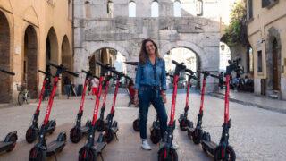 Alla scoperta di Verona con l'eKickScooter, il monopattino elettrico di SeatMò