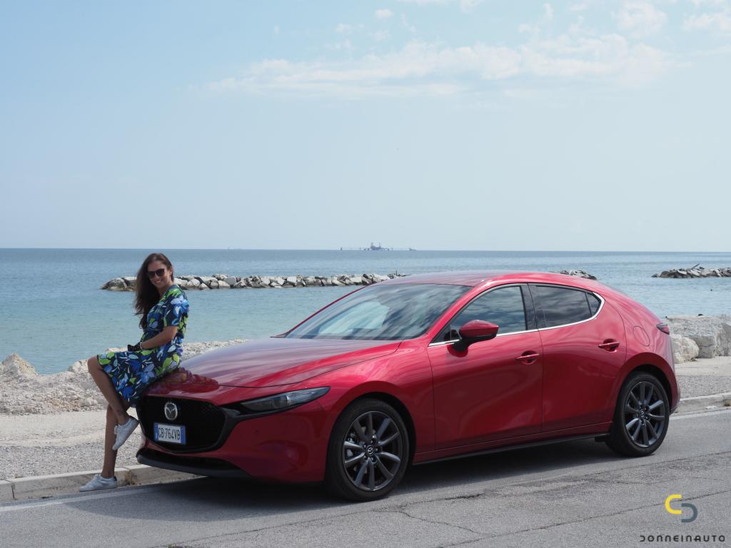 Alla scoperta delle Marche a bordo di nuova Mazda 3 150 CV