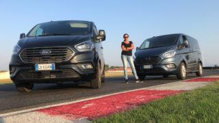 Ford Tourneo Custom Plug-in hybrid: il gigante buono che si guida come un'utilitaria e riduce le emissioni