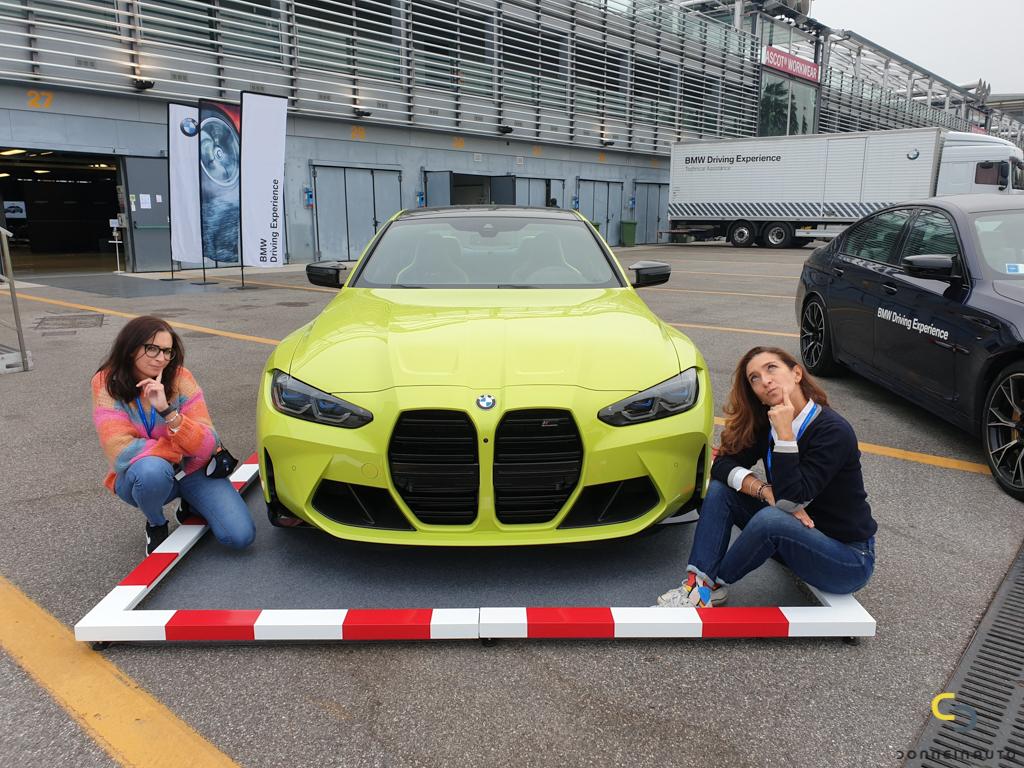 BMW M4 Competition: arrogante fuori, avvolgente dentro