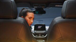 Ford Puma ST protagonista di un documentario interattivo sui social: a guidarla c'è una donna