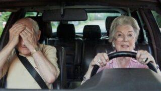 Covid-19: tutti in auto. Più donne e anziani al volante