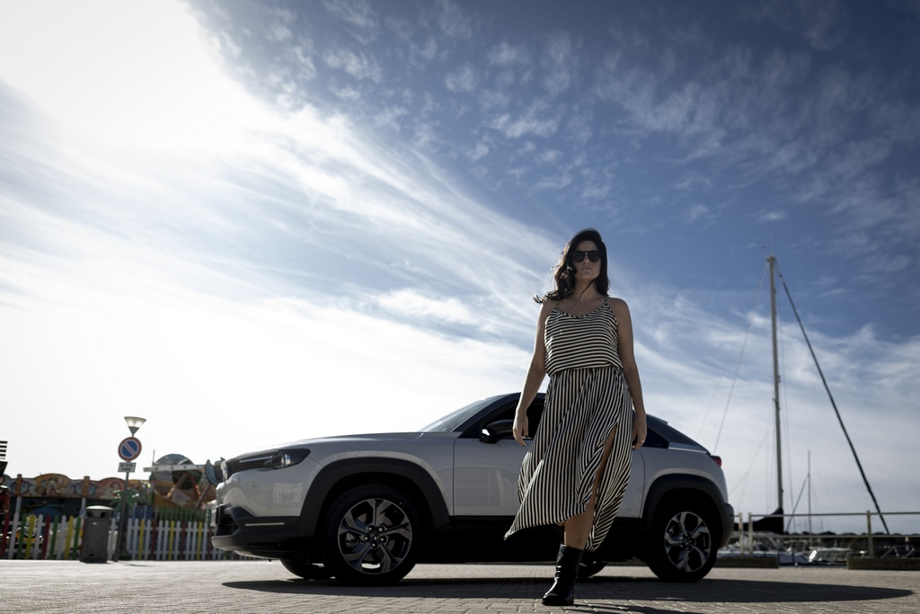 Mazda Mx-30, un'auto elettrica amica davvero dell'ambiente