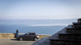 Alla scoperta del lago vulcanico più grande di Italia con Mazda 2
