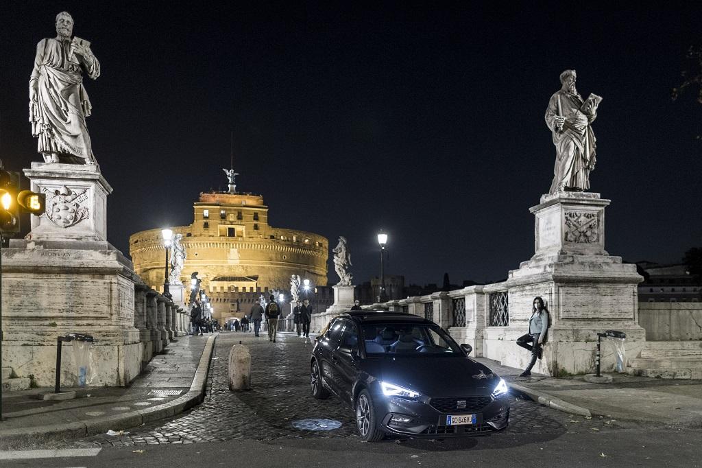 """Da Castel Sant'angelo a Castelgandolfo con la Golf """"catalana"""": la Seat Leon più veloce che mai"""