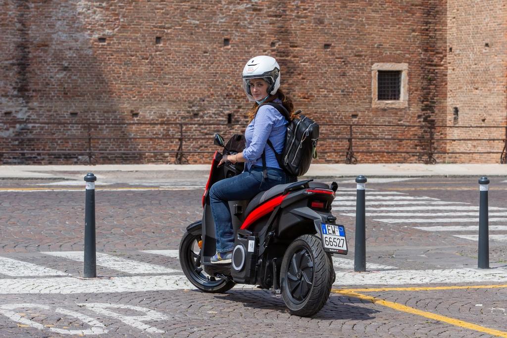 Seat MO: lo scooter elettrico da 137 km di autonomia