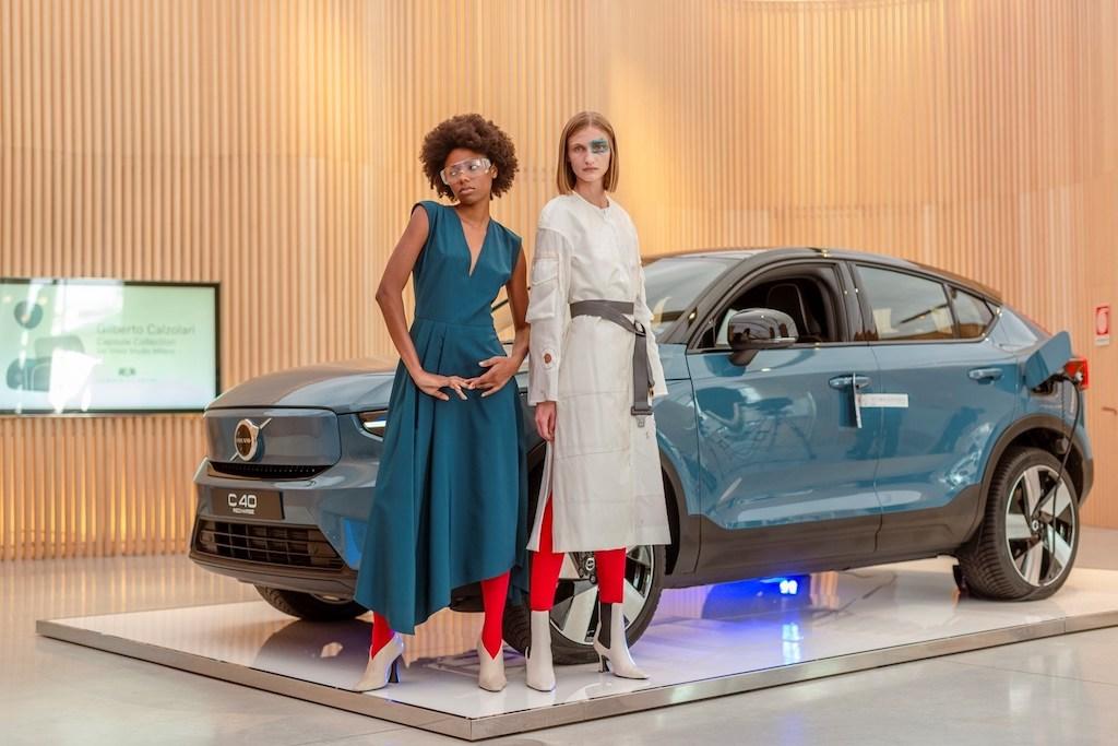 Volvo C40 Recharge ispira la moda sostenibile